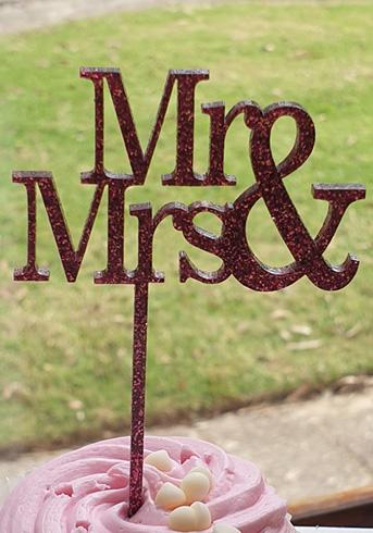 Mr & Mrs topper